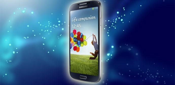 Samsung Galaxy™ S4 con fondo azul