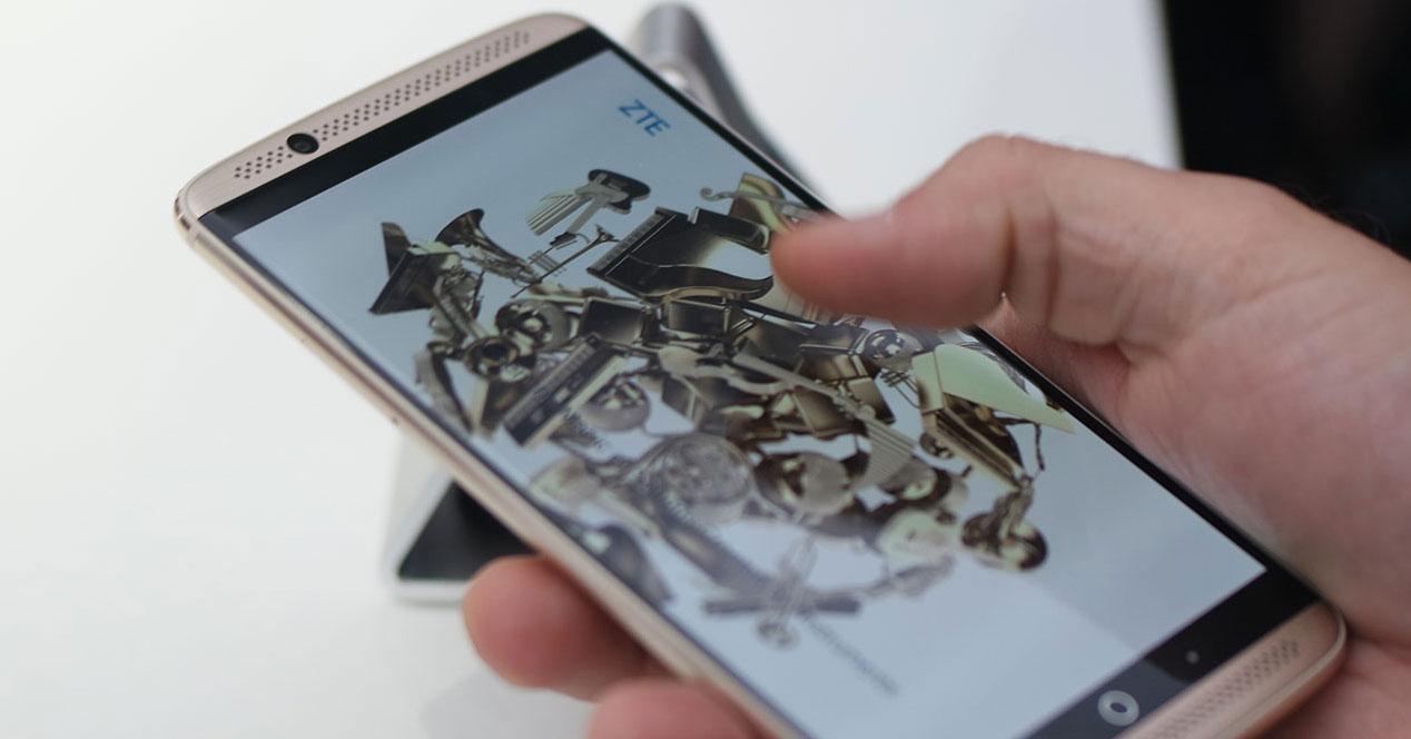 Terminal Android ZTE Axon 7