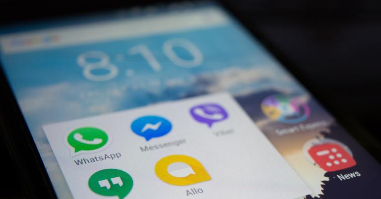 Aplicaciones de mensajería instantánea en un teléfono Android