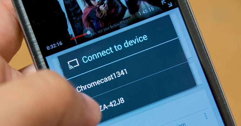 Pantalla de móvil donde aparece la opción de conectar con Chromecast