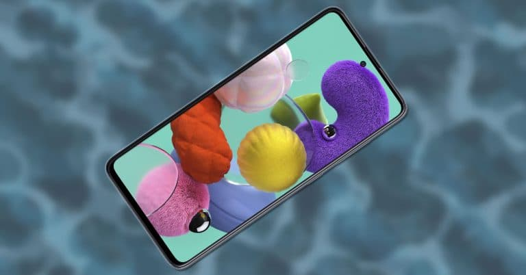 Smartphone Samsung Galaxy A51 con fondo